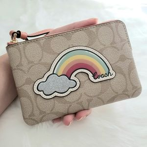 🌈Coach Rainbow Wristlet